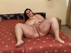 FAT MATURE FUCKED UP THE ASS